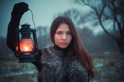 *** девушка модель портрет глаза canon 50mm лес фонарь из леса