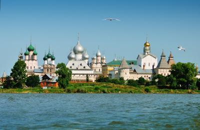 Ростовские купола Ростов Великий Кремль церковь храм собор озеро Неро