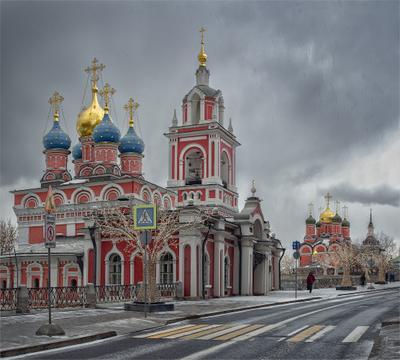 Церковь Георгия Победоносца на Псковской горе город Москва архитектура Варварка храм