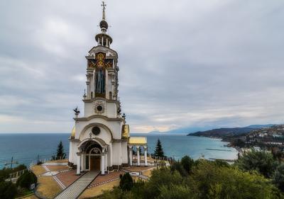 Храм-маяк. Крым пейзаж архитектура