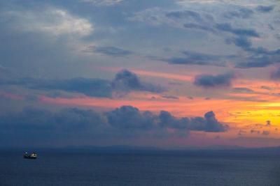 Вечер, Пароход Владивосток закат пароход облака амурский залив