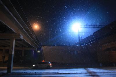 город железная, дорога, снег, фонарь, машина, ночь