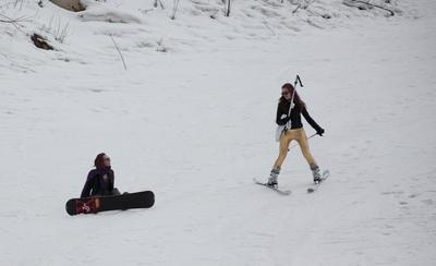 А я на лыжах нах и в офигительных штанах... зима девченки снег