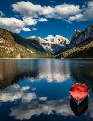 красная лодка озеро горы