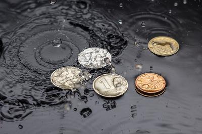 Рубли деньги предметное фото монеты