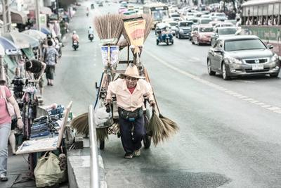 быстрее и дальше старик торговец улица путешествие повозка машины перевозка багаж товар