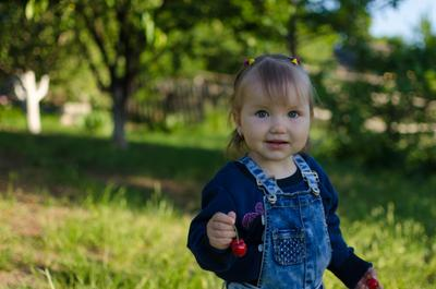 Верушка Дети лето настроение черешня сад