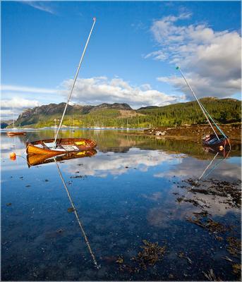 Plockton Plockton Scotland Плоктон Шотландия отражение лодка озеро вода