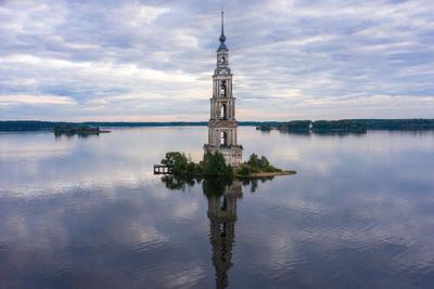 Колокольня. Калязин Колокольня Калязин Россия водохранилище