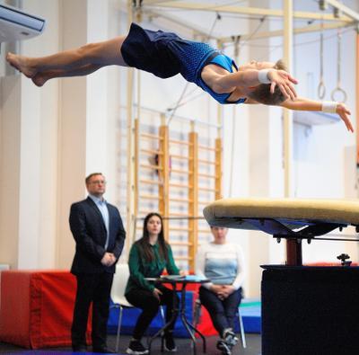 Соревнования в центре гимнастики и акробатики