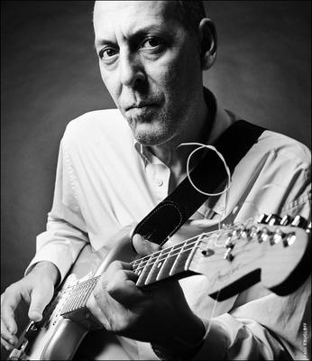 Rene Trossman promo shooting man guitar musician мужчина гитара музыкант