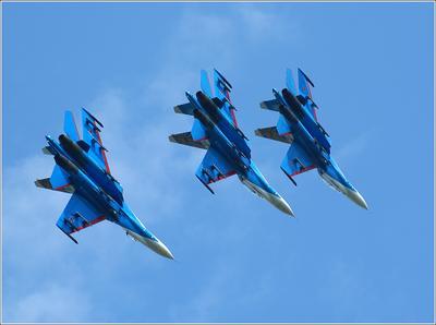 """Су-27 Су-27 """"Русские витязи"""" авиация самолет полет Жуковский МАКС-2007"""