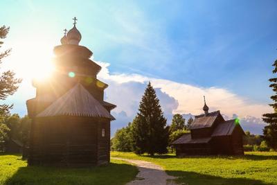 Деревянные церкви Руси. Дерево церковь солнце небо великийновгород в витославлицы