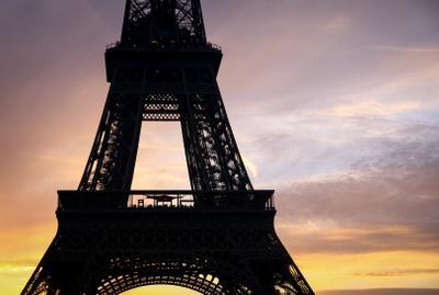 Закат в Париже Франция Париж Эйфелева башня вечер закат лето облака