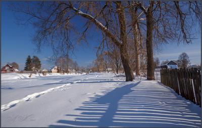 Скоро весна ... Скоро весна.24.02.18.Забор.Тени.Деревья.Река Судогда