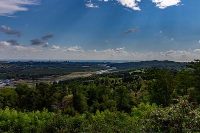 *** гора река море город Сухум