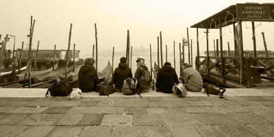Вот такой я увидел Венецию. На набережной Гранд Канала.