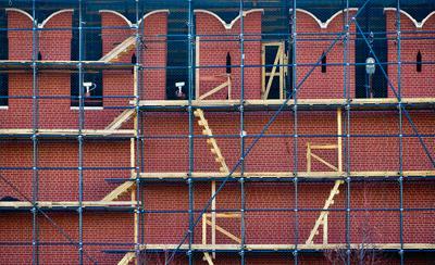 Москва не сразу строилась... стена Кремль ремонт