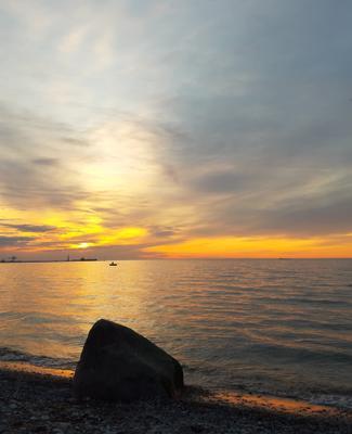 После заката. Финский залив, Силламяэ, Эстония.
