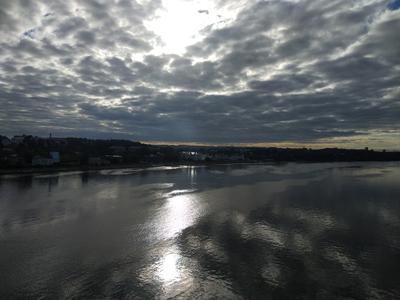 В Волгу смотрятся облака Волга облака вода