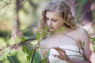 *** девушка трава весна цветы
