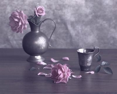 В цвете пыльной розы