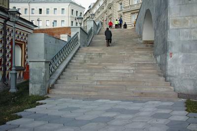 Лестница город Москва улица Варварка парк Зарядье лестница