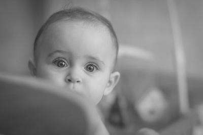 Любопытство... дети ребенок чб портрет взгляд