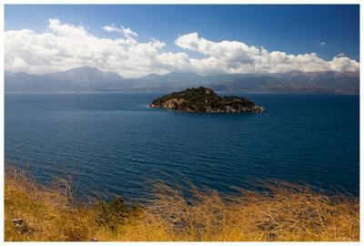 Островок Коринфского залива Греция