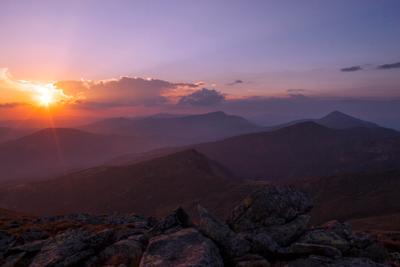 Там на самом на краю земли... закат горы Карпаты
