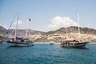 *** море яхта катер берег небо турция