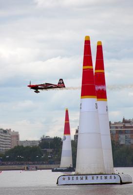 Red Bull Air Race самолет Red Bull Air Race соревнования Казань