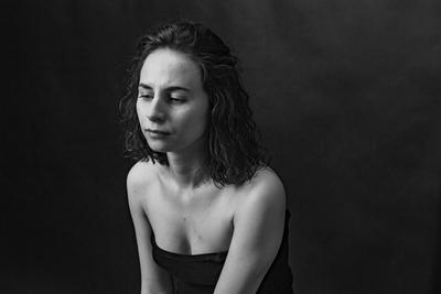 *** портрет девушка губы глаза черно-белое модель молодая характер взгляд ракурс