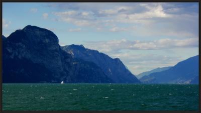 на озере Гарда, озеро, ветер, парус