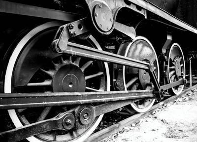 Колеса старинного паровоза железнаядорога колесо транспорт история паровоз локомотив