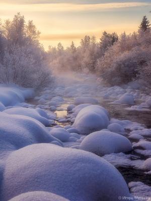 Морозное утро на речке зима мороз река снег лес