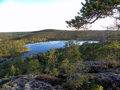 Карелия озеро лес горы
