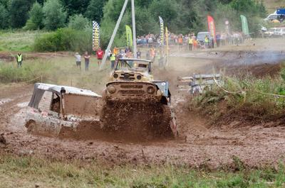 УАЗ -Ухаб гонка внедорожник ухаб грязь уаз