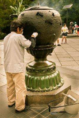 Камакура , у статуи В.Будды