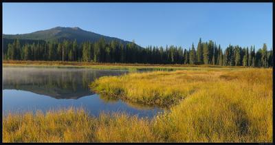 Утро на Язевом Казахстан Алтай озеро Язевое утро туман горы осень лес берег болото
