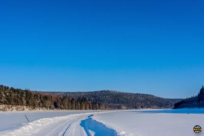 *** зимник через реку Лена