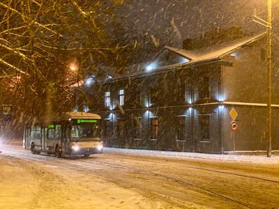 Снег и троллейбус
