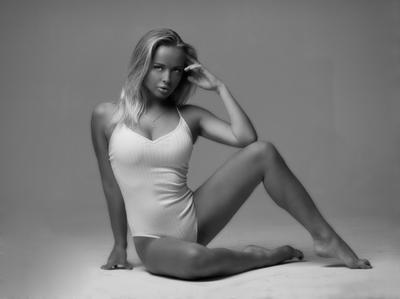 Nastya karenabramyan portrait art fashion model picture pretty hair face blondie blackandwhite