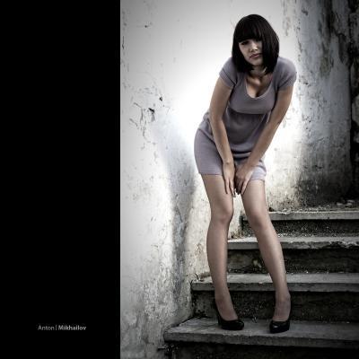 [ untitled ] Лестница Девушка