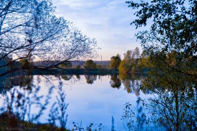 Вечер на озере вечер холод осень