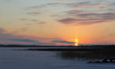 Восходящий поток Карелия зима Онежское озеро солнце снег деревня Кажма