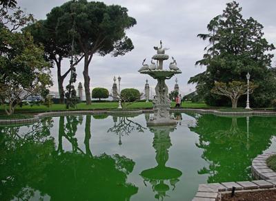 Зелёное.. Стамбул Долмабахче Фонтан Отражения