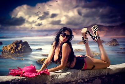 Passion on the beach Girl Glamour Sydney Australia Beauty Model Pink Hat Alex Sky