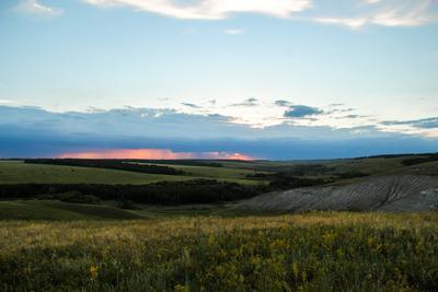 Закат в степи Закат степь холмы вечер лето