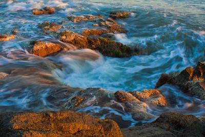 Море закат море камни